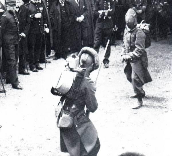 http://rosalielebel75.franceserv.com/armesportatives/rosalie-4.jpg