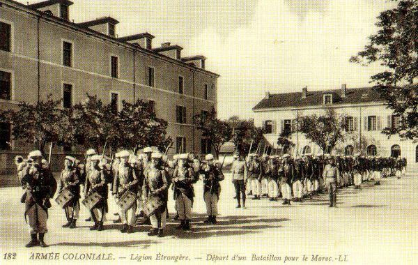 http://rosalielebel75.franceserv.com/armee-afrique/legionnaire-2.JPG